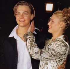 From left to right : Leonardo DiCaprio and Claire Danes at the Premiere of Romeo + Juliette (1996).