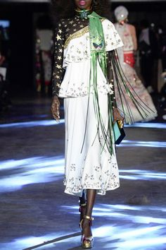 MANISH ARORA – SS16 – PREORDER www.precouture.co... PRECOUTURE.COM is the first European website offering the possibility to preorder the looks straight from the runway. Order your looks now and wear them before anyone else, before it hits stores!