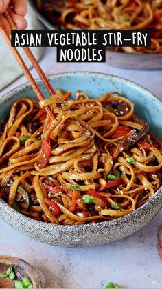 Vegan Dinner Recipes, Vegan Dinners, Veggie Recipes, Asian Recipes, Whole Food Recipes, Vegetarian Recipes, Cooking Recipes, Healthy Recipes, Healthy Lo Mein Recipe