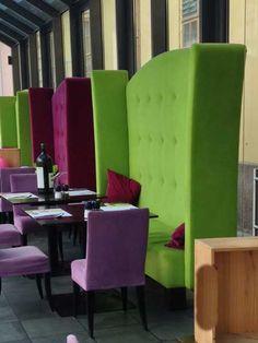 Schöne Hochbank in Brombeere oder Apfelgrün zu verkaufen Lounge, Portal, Chair, Furniture, Home Decor, Blackberries, Apple, Nice Asses, Airport Lounge