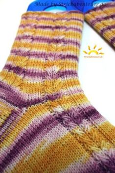 Ideas crochet socks free pattern slippers hobbies for 2019 Easy Knitting, Knitting For Beginners, Knitting Socks, Knitting Patterns, Crochet Patterns, Crochet Socks, Crochet Poncho, Crochet Stitches, Knit Socks