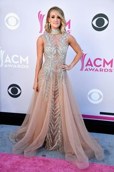 Carrie Underwood Wore 2 Totally Different Sexy Outfits to the ACM Awards