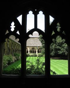 Peeking through into a courtyard in an Oxford cathedral.