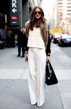 Kış Sokak Stili: Beyaz Giysili Kadınlar - Eğer siyah, kahverengi ve lacivert gibi koyu renkli kasvetli kıyafetlerden sıkıldıysanız, kalabalığa meydan okuyabileceğiniz ve dikkat çekebileceğiniz beyazı denemek ister miydiniz?