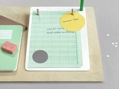 Present&Correct - Paper Holder