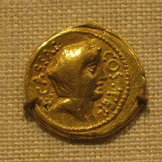 Gold Aureus of Julius Caesar Veiled head (of Vesta) Rome,46  BC