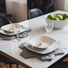 niebodesign.pl / cool white table decor