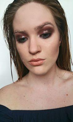 wet look #glossyeyelids #bleachedeyebrows
