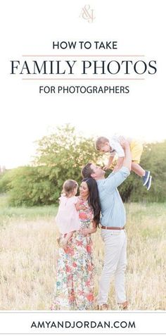 Do you struggle with how to get sharp focus during family and group photo sessions? Here are our top sharp focus photography tips for families and groups! - Focus Tips: How to Take Sharp Family & Group Portraits Portrait Photography Tips, Photography Basics, Photography Tips For Beginners, Photography Lessons, Photography Backdrops, Photography Tutorials, Photography Business, Creative Photography, Digital Photography