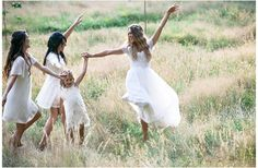 All brides think of finding the perfect wedding ceremony, but for this they need the ideal wedding outfit, with the bridesmaid's dresses complimenting the wedding brides dress. Here are a number of ideas on wedding dresses. Elegant Bride, Elegant Wedding Dress, Best Wedding Dresses, Wedding Pics, Wedding Bride, Wedding Styles, Wedding Day, Wedding Ceremony, Wedding Stuff