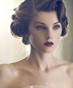 Vintage Hairstyles Updo Gatsby Roaring 20 Ideas For 2019 Coiffures Vintage Updo Gatsby Roaring 2 Pelo Vintage, Vintage Updo, Vintage Wedding Hair, Wedding Hair And Makeup, Hair Wedding, Vintage Style, Bride Makeup, Wedding Nails, Bridesmaid Hair Vintage