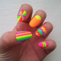 House of holland by elegant touch zig zag stardust false nails nail a Bright Nails, Funky Nails, Neon Nails, Trendy Nails, Love Nails, My Nails, Neon Nail Designs, Nails Design, Uñas Fashion