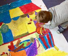 Groepsopdracht met groep 3. Een marktkraam! Eerst geschilderd en daarna hebben de kinderen fruit/ groente/ brood/ vis getekend voor in de kraam.