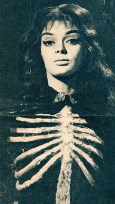 Barbara Steele-black sunday-Mario Bava