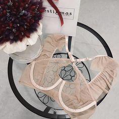 Hello Weekend По вопросам приобретения ➡️Direct Whatsapp Telegram +79186747644 Или по ссылке в шапке профиля☝ По Краснодару доставка бесплатная‼️ __________________________________ #underwear #bondage #bralette #black #boudoir #lace #lacebra #lacebralette #harness #garter #boudoirphotography #boudoirinspiration #estigmas #opencup #opencupbra #framebra #lingery #cuplessbra #lingerie #exclusive #нижнеебелье #нижнеебельеручнойработы #нижнеебельекраснодар #handmade #handmadeunderwear ...