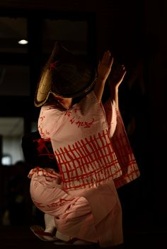 aurorae: cおわら風の盆 (by yosukeyosuke) Miyavi, Toyama, Japanese Landscape, Japanese Outfits, Yukata, Japanese Things, Kimono, Culture, Festivals