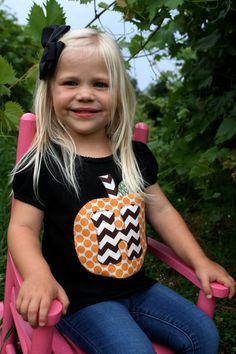 the perfect pumpkin tshirt! great for fall pics, halloween parties, and playing in the leaves! made on a comfy black tee, all appliques are backed