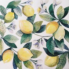 """""""Лимончики готовые ✨ это,кстати,будущий паттерн,его можно будет приобести и печатать,например,на ткани #limon #watercolor #illustration #vickyod…"""""""