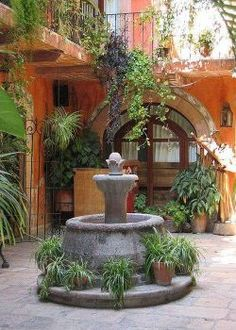 Patio San Miguel In 2019 Mexican Garden Spanish Mexican Patio, Mexican Garden, Mexican Hacienda, Hacienda Style, Mexican Style, Spanish Style Homes, Spanish House, Spanish Colonial, Spanish Design