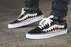 La Bape x Vans Old Skool 'Shark' : une paire customisée qui associe camouflage Bape et peinture dents de requin style Air Max 90 Warhawk.