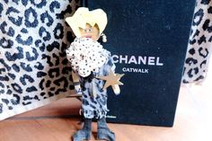 Lem liebt Chanel / Lem loves Chanel |