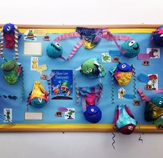 Aliens Love Underpants - great idea for my Ta to do this week :) Display Boards For School, School Displays, Classroom Displays, New Classroom, Classroom Crafts, Preschool Crafts, Classroom Ideas, Dinosaur Display, Sensory Lights