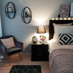 55 Sweet and Most Romantic Bedroom Furniture Ideas These trendy Bedroom ideas would gain you amazing compliments. Home Decor Bedroom, Bedroom Furniture, Home Furniture, Living Room Decor, Furniture Ideas, Bedroom Ideas, Living Room Trends, Living Spaces, Decorating Small Spaces