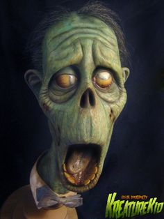 Zombie Dad is a full size latex bust, hand painted with acrylic teeth and vintage fedora. Arte Horror, Horror Art, Sculpture Clay, Sculptures, Arte Black, Maquillage Halloween, Creepy Art, Halloween Art, Halloween 2020