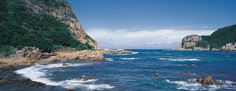 De Zuidkustroute #africanluxury #keepdiscovering #eyeswildopen #travel #traveltip #luxurytravel #traveltheworld #zuidafrika #southafrica #travelagency #letsgo Knysna, Travel Memories, South Africa, Places To Visit, Tours, Island, Water, High Tide, Outdoor
