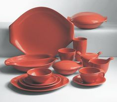RUSSEL WRIGHT IMAGE FOUR Residential line of plastic ware, shown in salmon. Winner of the Museum of Modern Art's Good Design Award in 1953, it was the best selling dinnerware in the US in 1957. Photo by Masca, courtesy Manitoga, Inc./Russel Wright Design Center.