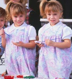 Mary-Kate and Ashley Olsen as Michelle Tanner from Full House Mary Kate Ashley, Mary Kate Olsen, Olsen Twins Full House, Full House Michelle, Michelle Tanner, Famous Twins, Bobby Brown Stranger Things, Olsen Sister, It Takes Two