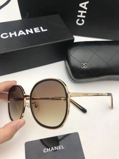 Chanel Sunglasses, Sunglasses Outlet, Sunglasses Women, Sunnies, Nice Glasses, Glasses Frames, Glasses Trends, Urban Outfitters Sunglasses, Fashion Eye Glasses