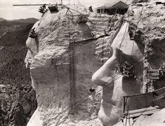 I always forget about Mt Rushmore. Photo of its construction - 1939.