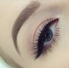 6 Ways to Get the Perfect Cat-Eye for Your Eye Shape