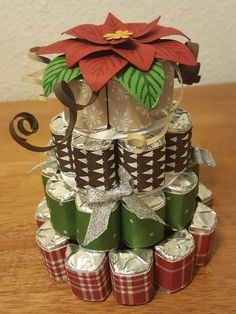 Christmas Poinsettia Nugget Cake by - Cards and Paper Crafts at Splitcoaststampers Christmas Treats, Christmas Diy, Christmas Cards, Christmas Poinsettia, Themed Gift Baskets, Raffle Baskets, Gift Bouquet, Candy Bouquet, Candy Crafts
