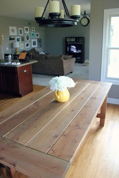 all things DIY: DIY Farmhouse Table using Minwax Weathered Oak - Farm House Decor Oak Floor Stains, Rustic Farmhouse Table, Dining Room Table, Diy Furniture, Wicker Furniture, Home Projects, Kitchen Remodel, Sweet Home, Big Project