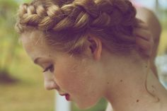 Hair styles from romantic historical novels to Mediaveal woodlands, pre-war country cottages to Grecian shores.