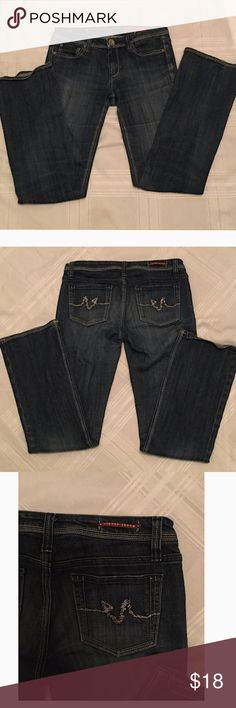Vigoss Jeans Premium pre-owned jeans n nearly perfect condition. Size 7/8, measurements: waist 30, inseam 32 Vigoss Jeans Boot Cut
