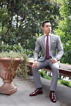 Gray suit + white dress shirt + burgundy striped tie + double monk strap shoes
