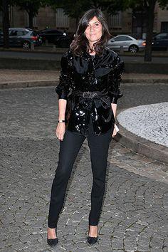 Emmanuelle Alt at Miu Miu Cruise presentation, black jacket, black pants, belt heels