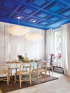 statement ceilings: Your Daily Dose of Design Eye Candy: Seriously Showstopping Ceilings Ceiling Decor, Ceiling Design, Home Design, Plafond Design, Blue Ceilings, Colored Ceiling, Dining Room Design, Elle Decor, Interior Design Inspiration