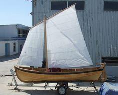 Canot voile-aviron traditionnel / en bois -- Sigo Marine Ltd. Ukraine.