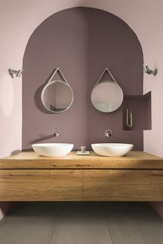 Dulux Colour of the Year 2017 Heart Wood bathroom ideas - badezimmer Wood Bathroom, Bathroom Fixtures, Mauve Bathroom, 50s Bathroom, Mirror Bathroom, Bathroom Toilets, Remodel Bathroom, Mirror Mirror, Luxury Homes Interior
