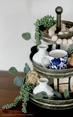 full tutorial for how to style a tiered tray