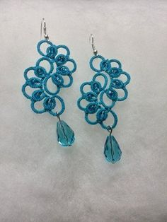Pendientes alargados Tatting Earrings, Tatting Jewelry, Lace Earrings, Lace Jewelry, Jewelry Crafts, Crochet Earrings, Shuttle Tatting Patterns, Tatting Patterns Free, Needle Tatting
