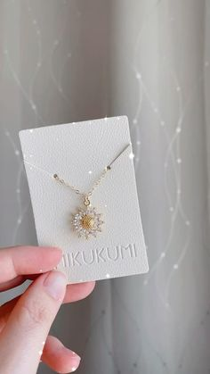 14K Gold Filled Sunflower Necklace Bee Necklace, Gold Necklace, Pendant Necklace, Sunflower Necklace, Stacked Necklaces, Stylish Jewelry, Jewelry Packaging, Gold Filled Jewelry, Face Skin