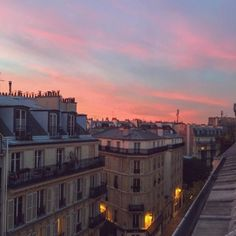 Paris at dusk City Aesthetic, Travel Aesthetic, Pretty Sky, Belle Villa, Beautiful Places To Travel, Romantic Travel, Adventure Is Out There, Places To See, Scenery