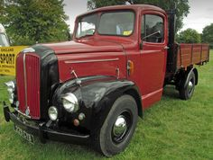Morris Commercial Lorry 1940/50s Vintage Trucks, Old Trucks, Pickup Trucks, Classic Trucks, Classic Cars, Old Lorries, Old Commercials, Commercial Vehicle, Car Pictures