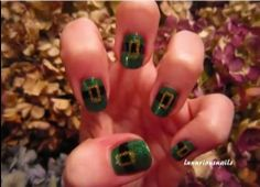 Leprechaun hat nails!! http://thestir.cafemom.com/beauty_style/169149/7_st_patricks_day_nail/113813/leprechaun_hat?slideid=113813?utm_medium=sm&utm_source=pinterest&utm_content=thestir&newsletter