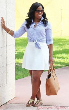 Curves and Confidence | Inspiring Curvy Women One Outfit At A Time: Weekend Wear: Skater Skirt